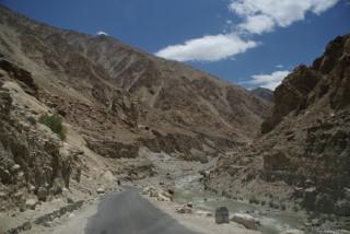 Fahrt durch das Tal des Indus
