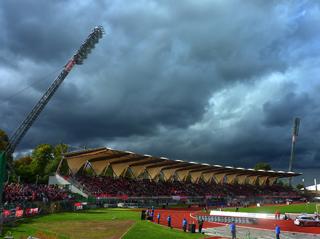 Die Haupttribüne des Steigerwaldstadions
